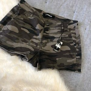 Express Shorts - NWT express camo mid rise shortie sz.4